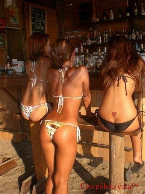 bar babes