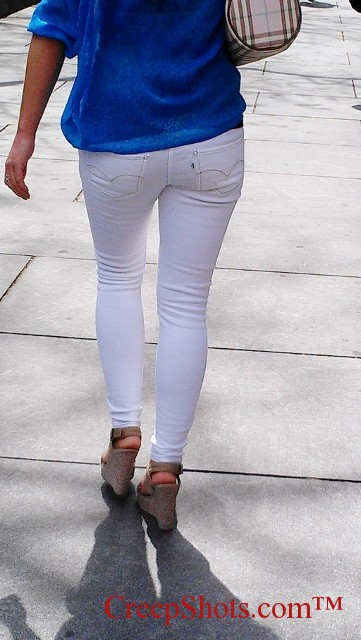 white pants3
