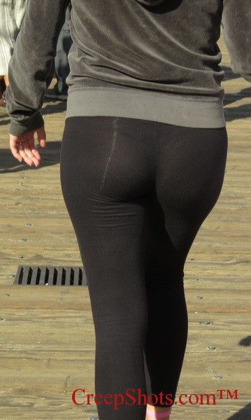 yoga ass1