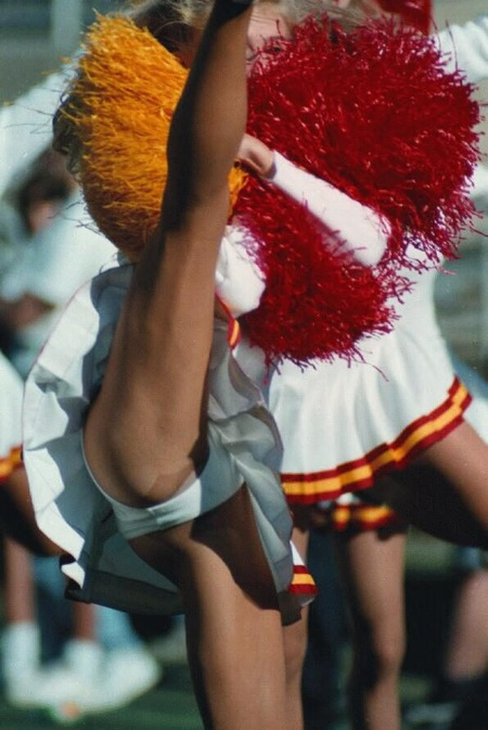 pro cheerleader pussy slips
